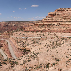 The Moki Dugway from halfway up, or down